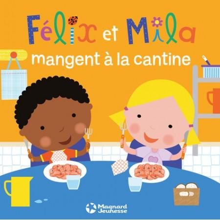 Félix et Mila mangent à la cantine