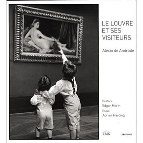 Le Louvre et ses visiteurs